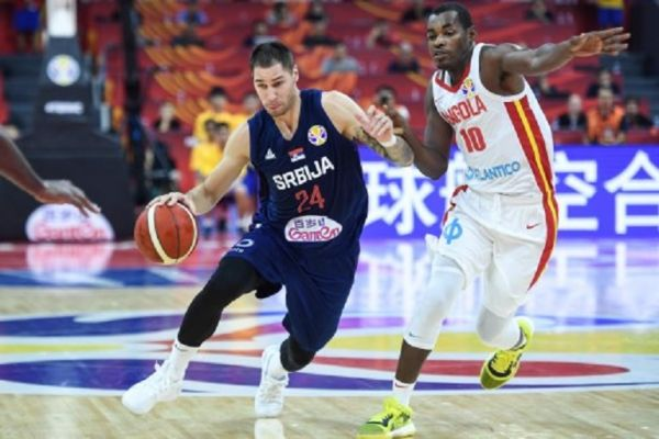 Stefan Jovic (L) of Serbia competes during the group D match between Angola and Serbia at the FIBA Basketball World Cup 2019 in Foshan, south China's Guangdong Province, on Aug. 31, 2019.PHOTO/ GETTY IMAGES