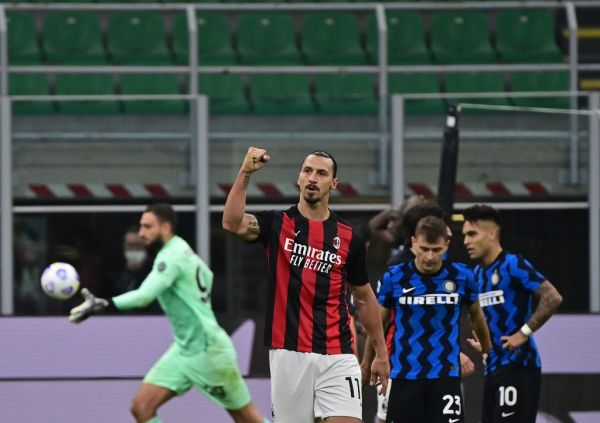 AC Milan's Swedish forward Zlatan Ibrahimovic (C) celebrates after winning the Italian Serie A football match between Inter Milan and AC Milan at the San Siro stadium in Milan on October 17, 2020. PHOTO | AFP