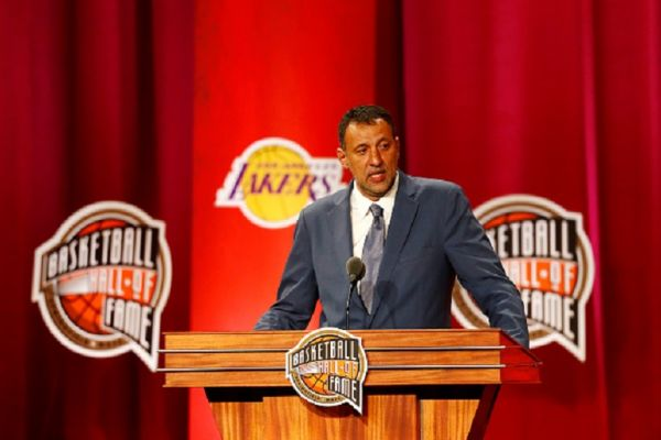Enshrinee Vlade Divac gives his enshrinement speech during the 2019 Basketball Hall of Fame Enshrinement Ceremony at Symphony Hall on September 06, 2019 in Springfield, Massachusetts. PHOTO/ GETTY IMAGES