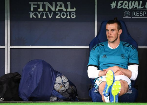Gareth Bale of Real Madrid sits on the bench prior to the UEFA Champions League Final between Real Madrid and Liverpool at NSC Olimpiyskiy Stadium on May 26, 2018 in Kiev, Ukraine. PHOTO/ GETTY IMAGES