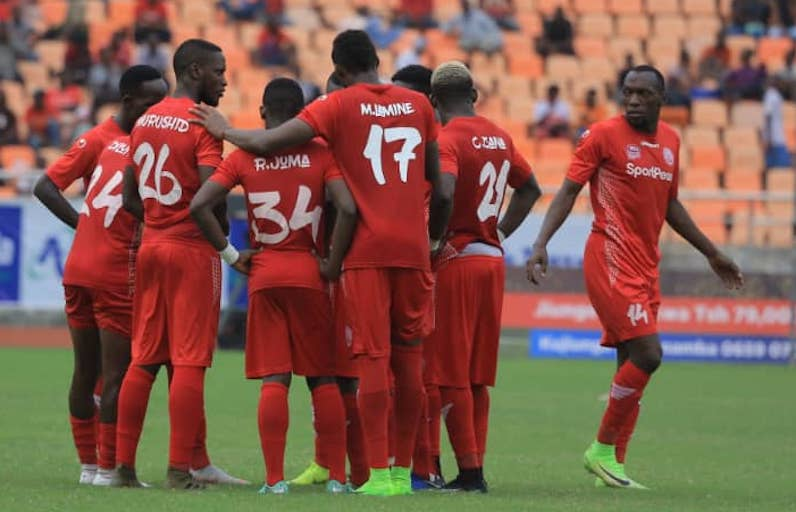 GOOD JOB GUYS: Meddie Kagere (right) looks on as his Simba SC teammates celebrate scoring against AFC Leopards SC in the fourth and last quarterfinal of the 2019 SportPesa Cup at the Main National Stadium in Dar-es-Salaam, Tanzania on January 23, 2019. PHOTO/AFP