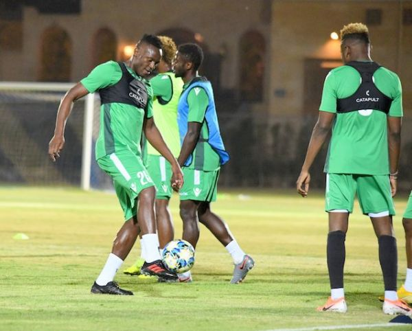 Harambee Stars captain, Victor Wanyama (left) controls a ball during their first training session in Cairo on Wednesday, June 19, 2019 after arriving in Egypt for the 2019 CAF Africa Cup of Nations. PHOTO/Courtesy/FKF