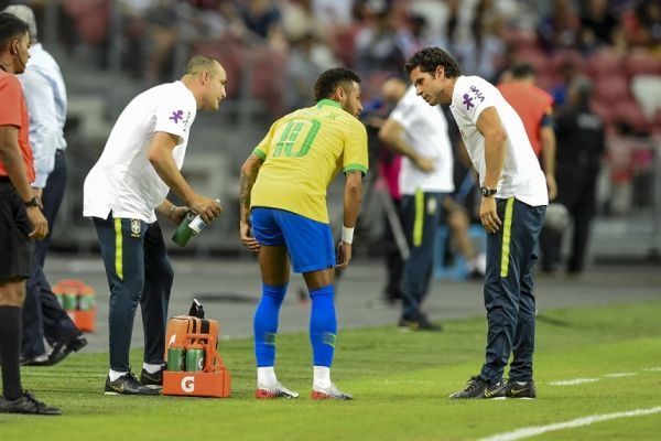 In this file photo taken on October 13, 2019 Brazil's forward Neymar (C) leaves the field during an international friendly football match between Brazil and Nigeria at the National Stadium in Singapore on October 13, 2019. PHOTO | AFP