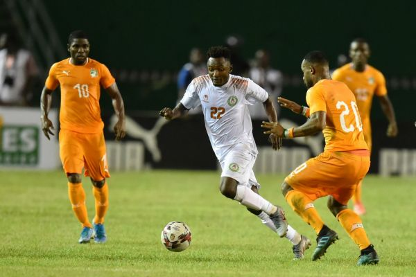Ivory Coast's Habib Maiga (R) and Ivory Coast's forward Roger Assale (L) vie with Niger's midfielder Yussif Moussa (C) during the African Cup of Nations 2021 Group K qualification football match between Ivory Coast and Niger at the Felix Houphouet Boigny Stadium, in Abidjan on November 16, 2019. PHOTO | AFP