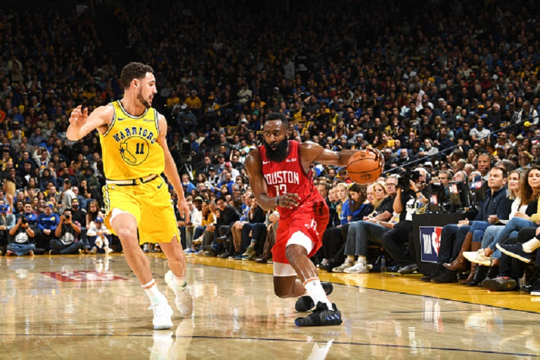 James Harden #13 of the Houston Rockets handles the ball against the Golden State Warriors on January 3, 2019 at ORACLE Arena in Oakland, California. PHOTO/AFP