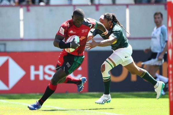 Kenya's Andrew Amonde runs in a try against South Africa on day one of the HSBC World Rugby Sevens Series at Stade Jean-Bouin in Paris on 1 June, 2019. PHOTO: Mike Lee /KLC fotos for World Rugby