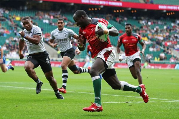 Kenya's Jeff Oluoch breaks through the Fiji defense on day one of the HSBC World Rugby Sevens Series at Twickenham Stadium in London on 25 May, 2019. PHOTO/Mike Lee/KLC fotos for World Rugby