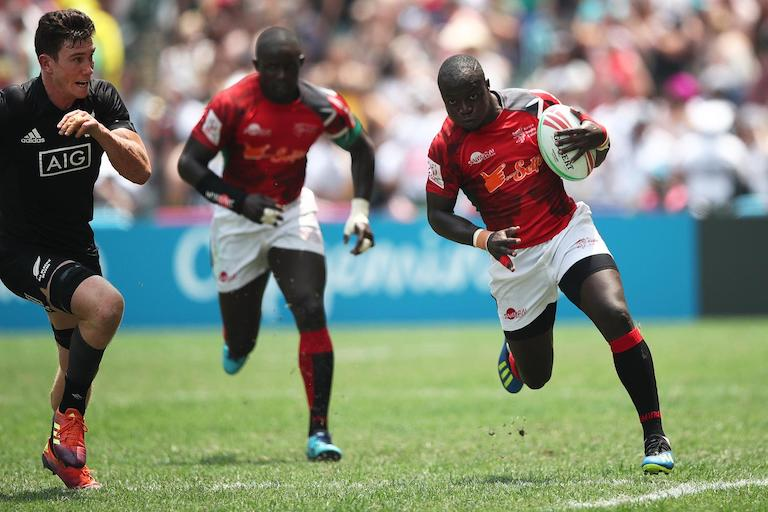 Kenya's Jeff Otieno races away from the New Zealand defense on day two of the Cathay Pacific/ HSBC Hong Kong Sevens in Hong Kong on 6 April 2019. PHOTO/Mike Lee/KLC fotos for World Rugby