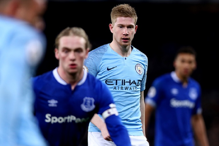 Kevin De Bruyne of Manchester City looks on during the Premier League match between Everton FC and Manchester City at Goodison Park on February 6, 2019 in Liverpool, United Kingdom. PHOTO/GettyImages