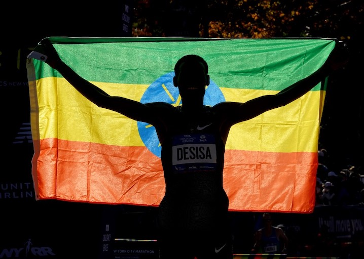 Lelisa Desisa of Ethiopia crosses the finish line to win the Men's Division during the 2018 TCS New York City Marathon in New York on November 4, 2018. PHOTO/AFP