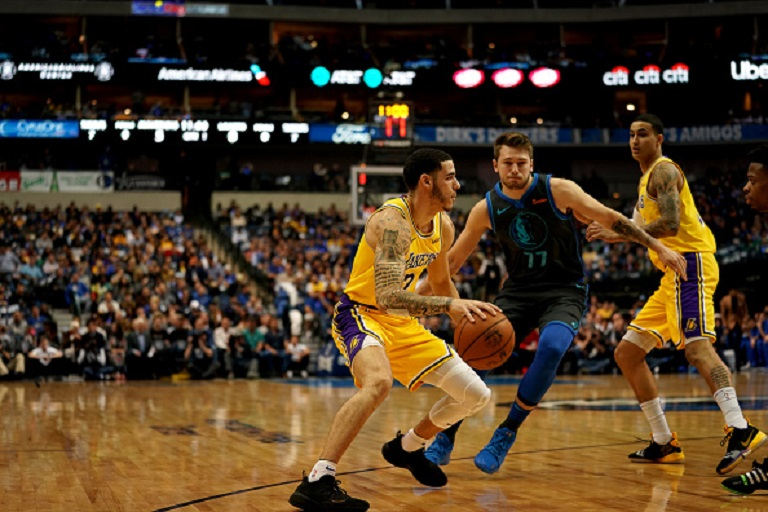 Lonzo Ball #2 of the Los Angeles Lakers handles the ball against the Dallas Mavericks on January 7, 2019 at the American Airlines Center in Dallas, Texas. PHOTO/GettyImages