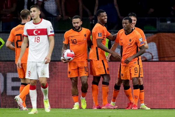 Memphis Depay celebrates with teammates after scoring a hat-trick against Turkey. The Dutch won the match 6-1. PHOTO | Alamy