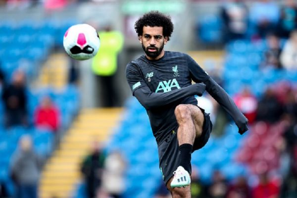 Mohamed Salah of Liverpool warms up prior to the Premier League match between Burnley FC and Liverpool FC at Turf Moor on August 31, 2019 in Burnley, United Kingdom. PHOTO/ GETTY IMAGES