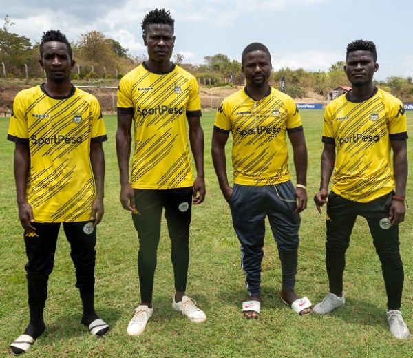 Murang'a Seal players pose for a picture during the unveiling at the St. Sebastien Park in Murang'a on Friday, October 1, 2021. PHOTO   SportPesaNews
