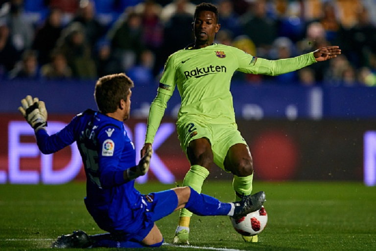 Nelson Semedo (R) of FC Barcelona challenges Aitor Fernandez Abarisketa of Levante UD during the Copa del Rey Round of 16 match between Levante UD and FC Barcelona at Ciutat de Valencia on January 10, 2019 in Valencia, Spain.PHOTO/GETTY IMAGES