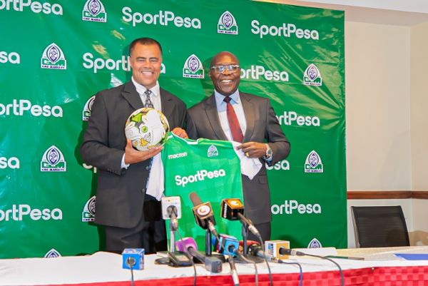 New Gor Mahia FC coach Steven George Pallock (left) poses with club chair Ambrose Rachier after he was unveiled as the new tactician in charge of the SportPesa Premier League champions on Thursday, August 8, 2019 in Nairobi. PHOTO | DUNCAN SIRMA | SPN