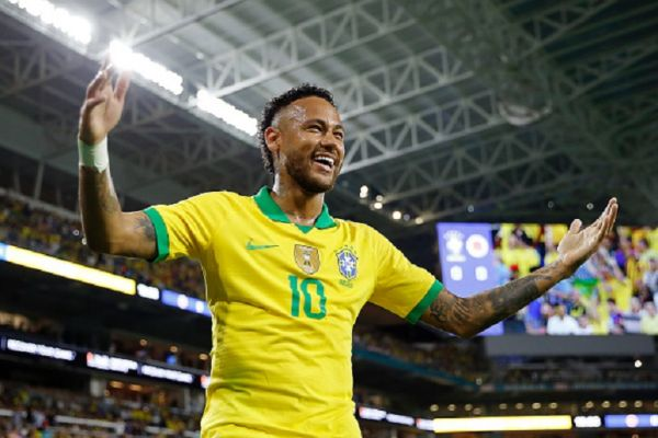 Neymar Jr. #10 of Brazil reacts after assisting Casemiro #5 (not pictured) on a goal against Colombia during the first half of the friendly at Hard Rock Stadium on September 06, 2019 in Miami, Florida. PHOTO/ GETTY IMAGES