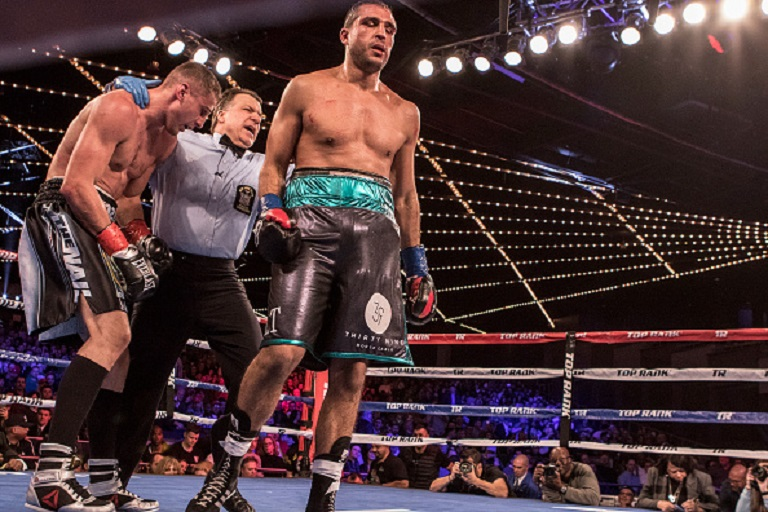 Oleksandr Gvozdyk ( Black and silver trunks ) defeats Medhi Amar ( Black with green trunks ) in their Light heavyweight Title fight at The Hulu Theatre at Madison Square Garden on March 17, 2018 in New York City.PHOTO/GETTY IMAGES