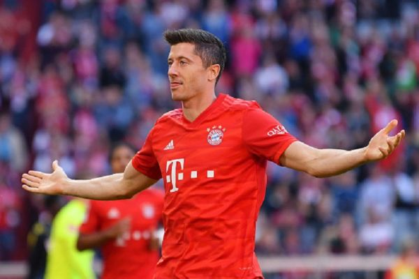 Robert Lewandowski of FC Bayern Munich celebrates after scoring his team's second goal during the Bundesliga match between FC Bayern Muenchen and 1. FC Koeln at Allianz Arena on September 21, 2019 in Munich, Germany. PHOTO/ GETTY IMAGES