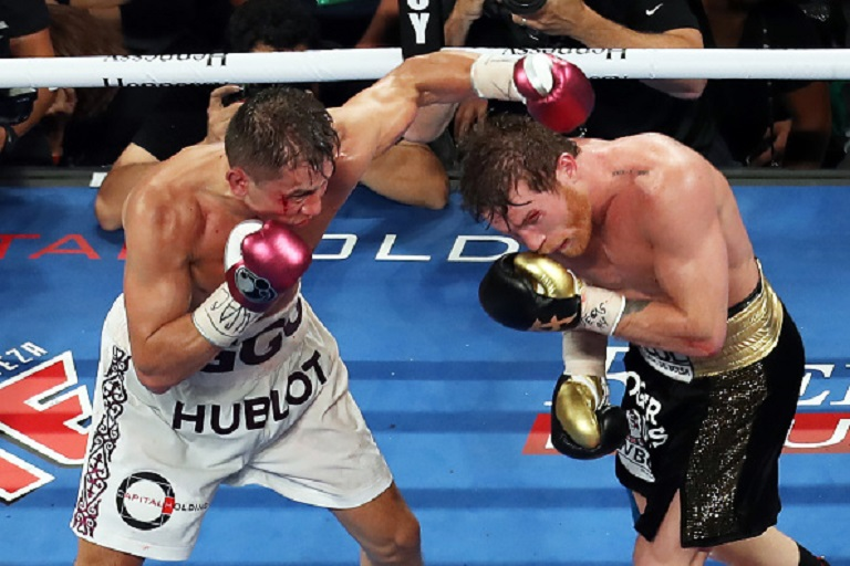 Saul Canelo Alvarez and Gennady Golovkin fight during the WBC-WBA-IBO Ring Middleweight Title bout at T-Mobile Arena on September 15, 2018 in Las Vegas, Nevada. PHOTO/GETTY IMAGES