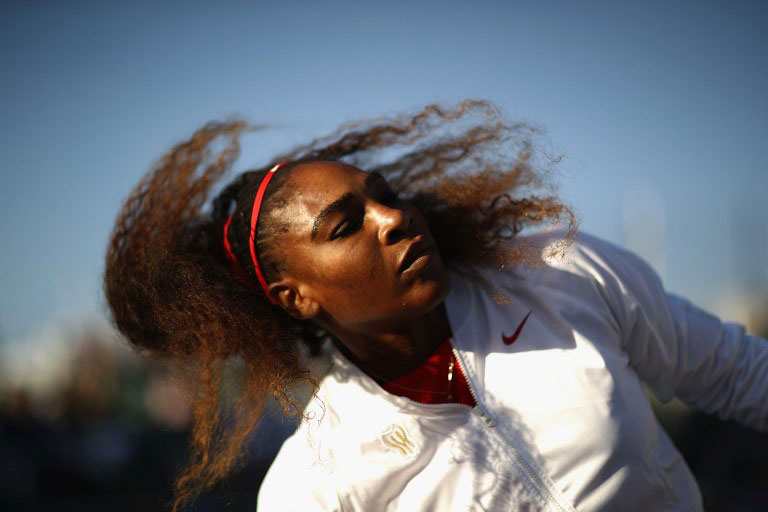 Serena Williams of the United States serves gets ready by her chair before her match against Johanna Konta of Great Britain during Day 2 of the Mubadala Silicon Valley Classic at Spartan Tennis Complex on July 31, 2018 in San Jose, California. PHOTO/AFP