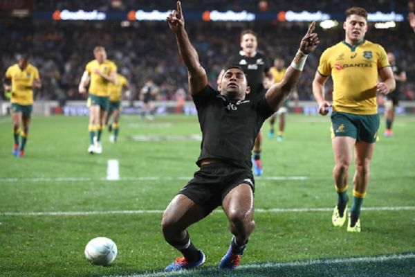 Sevu Reece of the All Blacks celebrates his try during The Rugby Championship and Bledisloe Cup Test match between the New Zealand All Blacks and the Australian Wallabies at Eden Park on August 17, 2019 in Auckland, New Zealand. PHOTO/ GETTY IMAGES