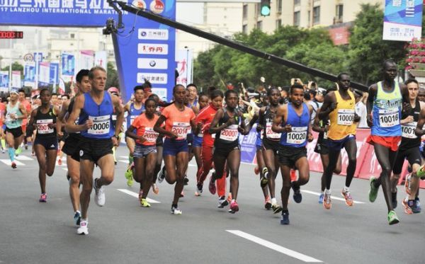 The men's field in action during the Lanzhou International Marathon on Sunday, June 2, 2019. PHOTO/Courtesy
