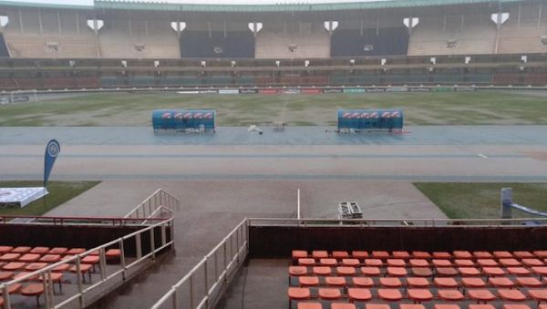 The scene at the MISC Kasarani Stadium when play was stopped in the final of the 2018/19 SportPesa Shield on Saturday, June 1, 2019. PHOTO/Courtesy/Kariobangi Sharks FC