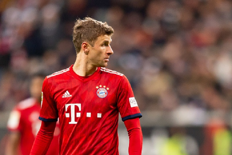 Thomas Mueller of Bayern Muenchen looks on during the Bundesliga match between Eintracht Frankfurt and FC Bayern Muenchen at Commerzbank-Arena on December 22, 2018 in Frankfurt am Main, Germany. PHOTO/GettyImages