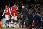 Aubameyang Brace Sinks Everton, Giving Arsenal Champions League Hope