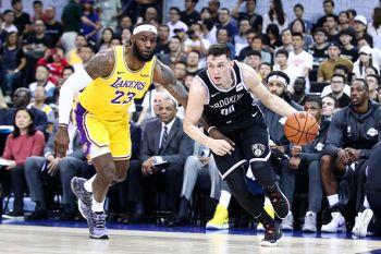 Pre-Season: Brooklyn Nets Wawatambia Lakers Kwenye Mchezo Wa Kutest Mitambo