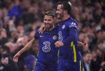 Holders Chelsea Thrash Malmo Despite Injuries, Bayern Rout Benfica