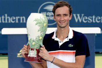 Ninth-Seed Medvedev Is ATP Cincinnati Masters Champion