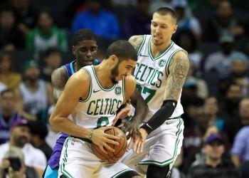 Boston Celtics Beat Spurs Despite Losing Hayward To Broken Arm