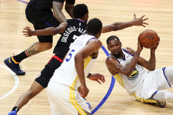 ab046cb78f1 NBA Playoff  Inspired Durant Steers Warriors Past Clippers