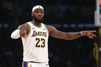 Pre-Season: LeBron James Afanya Maajabu Lakers Wakiikalisha Warriors