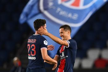Late Julian Draxler Goal Gives 10-Man PSG First Win Of The Season